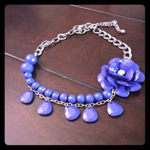 Jewelry - Beautiful Blue Flower Necklace